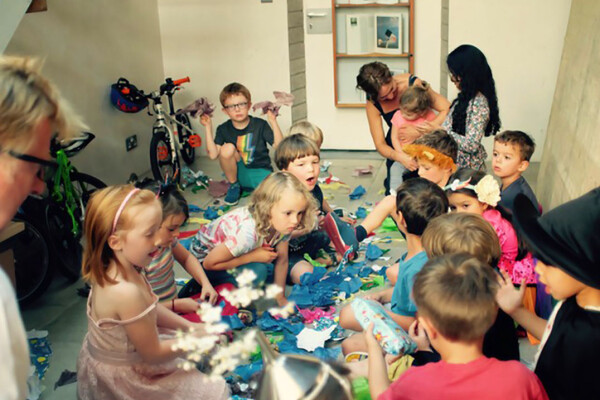 Kids playing at a plastic free party